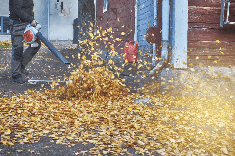 commercial leaf vaccum is working