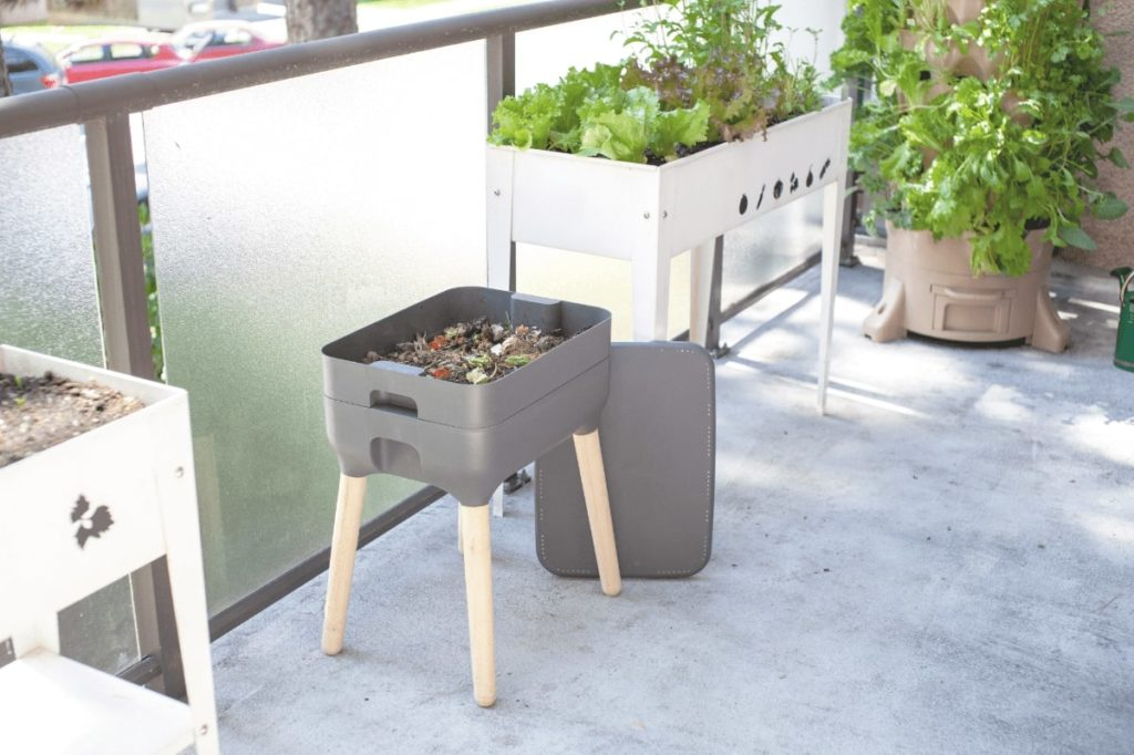 how to compost at apartment